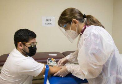 Vacunación Felipe Lobos