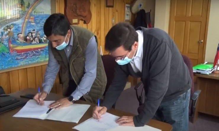Municipalidad de Quemchi y St. Andrews firman convenio de ayuda social