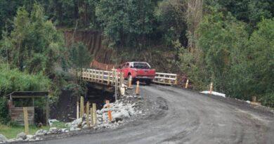 Tras obtener los permisos necesarios, Movitex anuncia mejoramiento en caminos rurales de Puyehue.