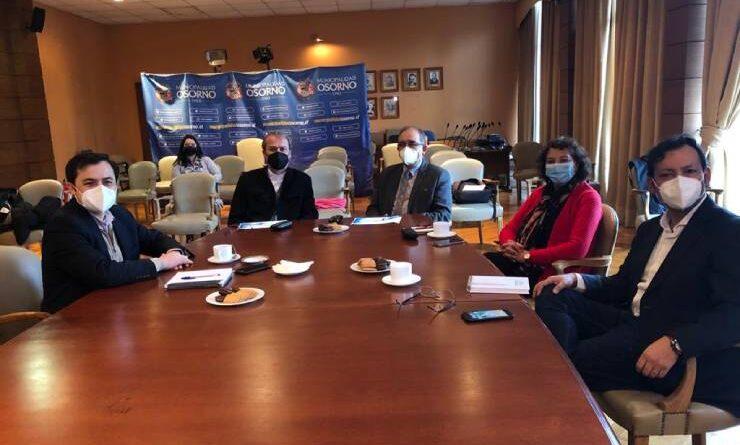Consejeros regionales analizaron cartera de proyectos de la municipalidad de Osorno con el alcalde y gobernador regional.