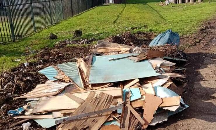 Municipio de Osorno insta a vecinos a cuidar el aseo de la ciudad evitando botar basura en espacios no habilitados