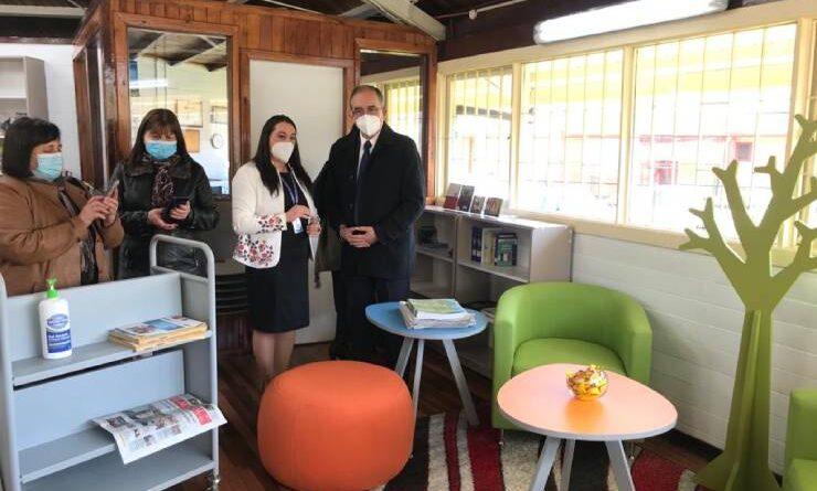 Municipio inauguró proyecto de mejoramiento de biblioteca de Rahue Alto.