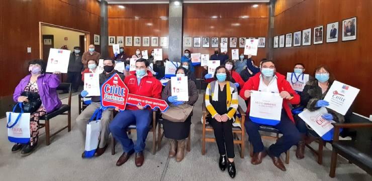 32 familias de Osorno recibieron título de dominio gracias al programa Chile Propietario.