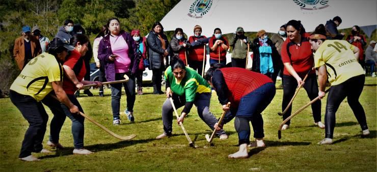 En Puente Negro sector norte de San Juan de la Costa se dio inicio a campeonato de chueca mujeres.